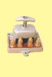 Battery Isolator Switch with M.S Bolt for  Tata/LeyLand 24V